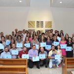 Leigos recebem certificado do curso de Teologia